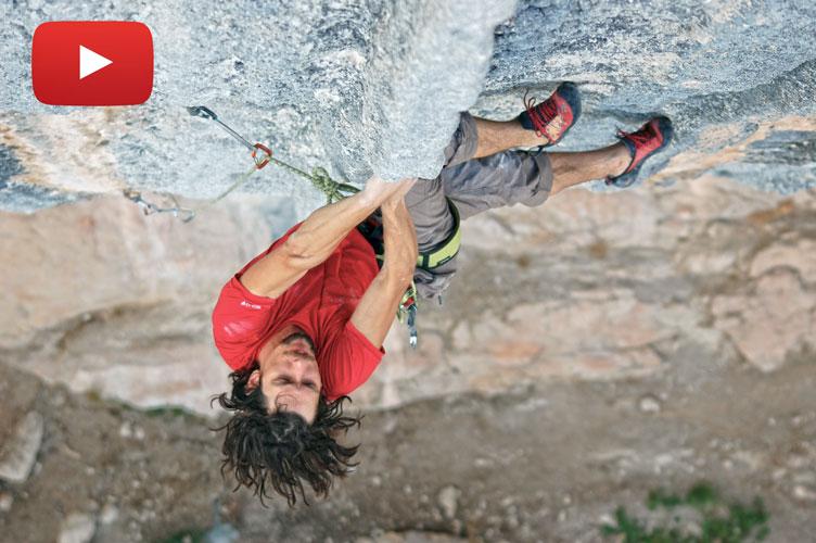 El brasileño Vini Todero escalando la vía humildes pa casa 8b+ de escalada deportiva en Oliana