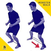 ejercicio monstar walk para entrenar el glúteo medio en escaladores