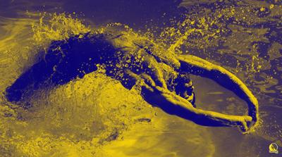 entrenamiento cruzado de natación y escalada