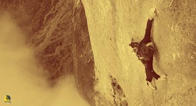 El escalador Nico Favresse en un viaje de escalada a Orbayu