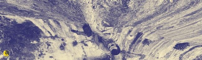 escalador pinzando una chorrera