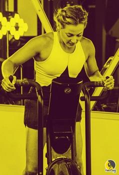 escaladora haciendo entrenamiento cardiovascular
