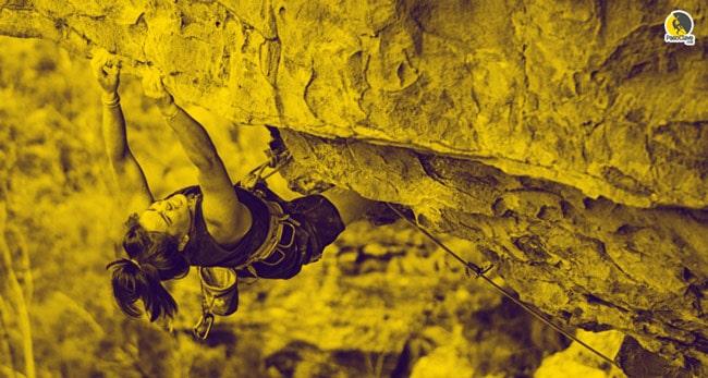 escaladora escalando al límite o fallo muscular