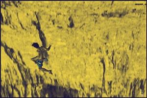 escalador cayendo sin miedo por el entrenamiento mental