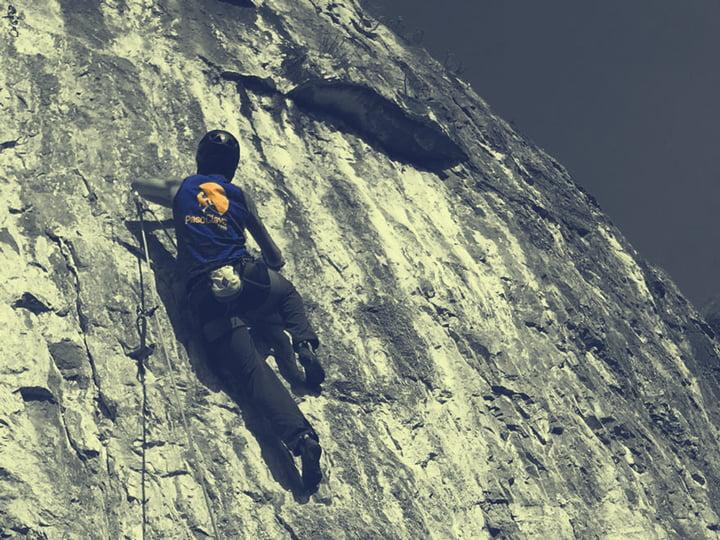 ropa de montaña para escalada